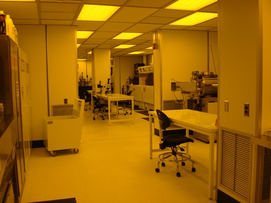 Diffusion, oxidation and general high temperature process working area in the class 100 clean room.