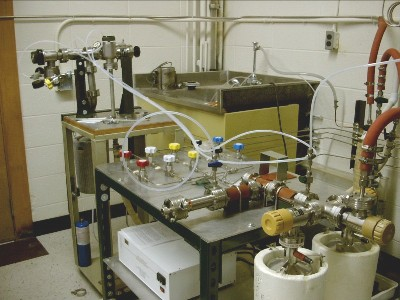 The ampoule sealing station has three independent ports for sealing ampoules of different diameters.