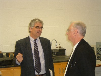 Dr. Dunn and Dr. Foulkes in discussion.