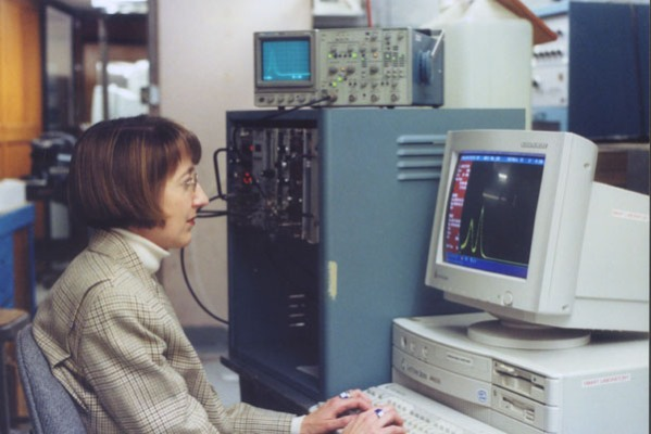 Holly Gersch is operating an MCA to take data from a boron-coated GaAs neutron detector at a nuclear reactor beam port (Ford Nuclear Reactor).