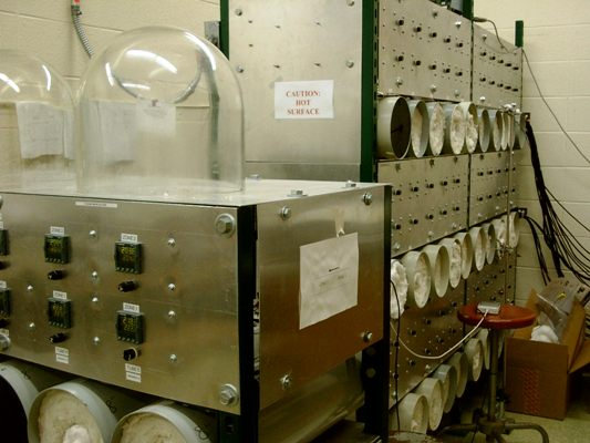 HgI2 horizontal furnaces. The crystal growth method also uses vapor transport , but it does not allow for controlled nucleation.  However, the horizontal method is quick and allows for many small crystals to be grown at one time in a single ampoule.